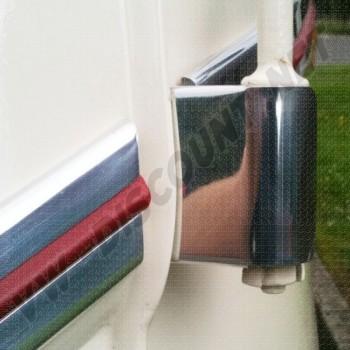 Couvre charnières de porte avant en inox poli, les 2 AAC040   Dream-Machine.fr